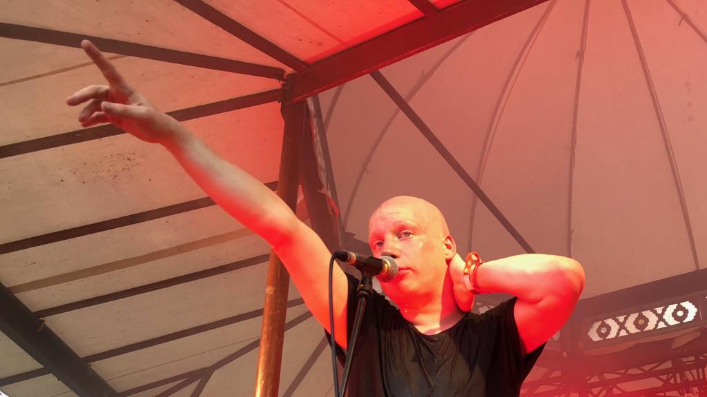 Mr. Me auf der Bühne des Sammersee Festivals