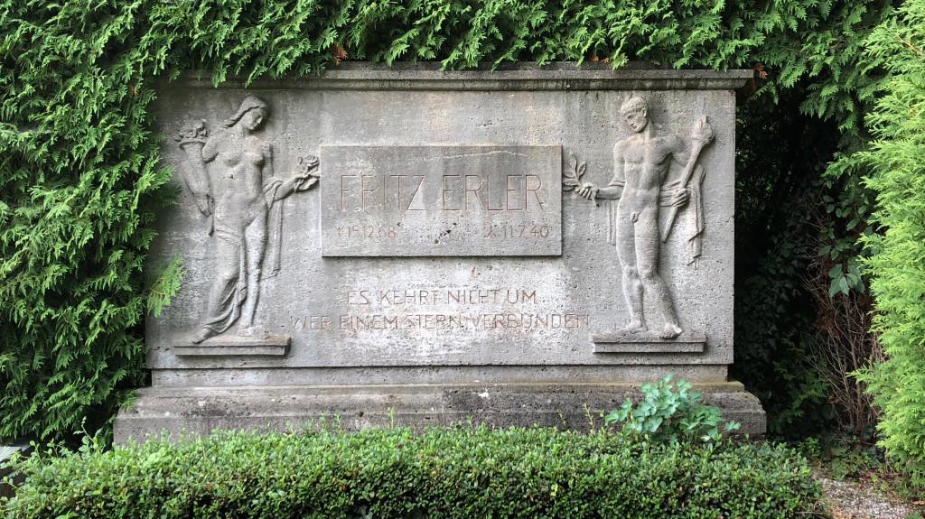 DasGrab von Fritz Erler in Holzhausen am Ammersee