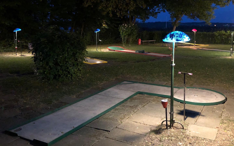 Nacht Minigolf