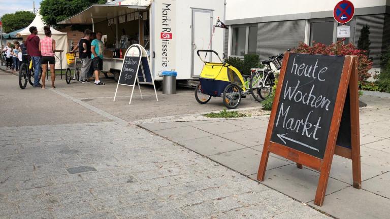 Dorfmarkt Schondorf in der Bahnhofstrasse