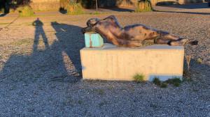 """Ammersee Skulpturenweg """"Liegende"""""""