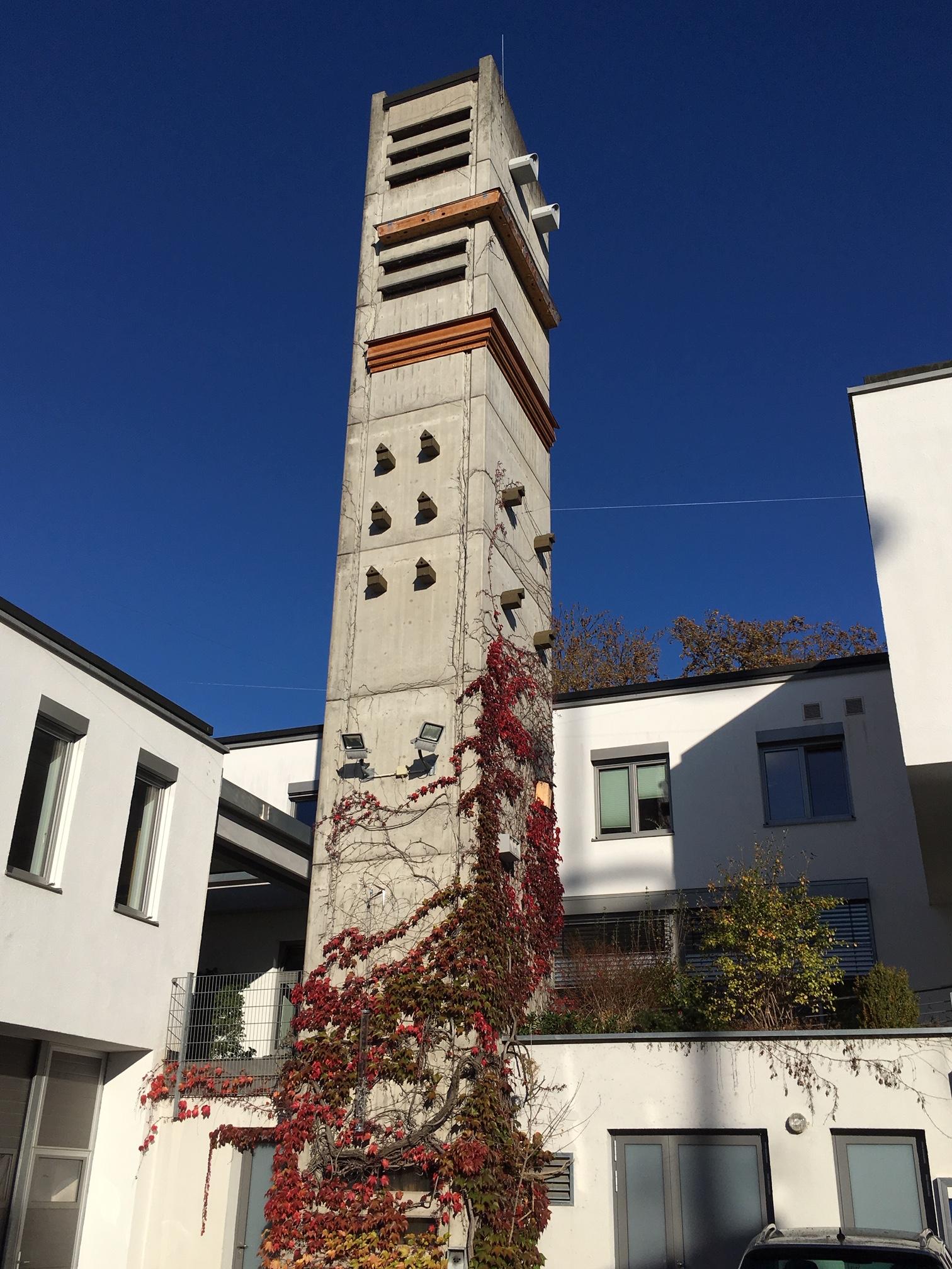 Nistkästen am Rathaus Schondorf