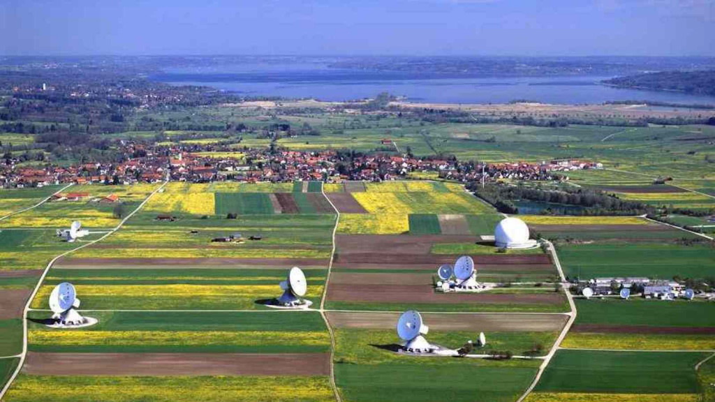 Satellitenantennen am Ammersee