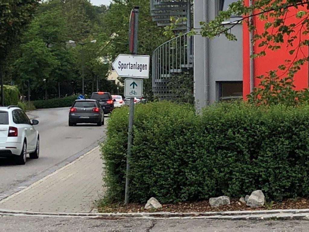 Radwegführung an der Greifenbergerstrasse