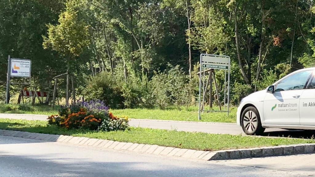 Verkehrsinsel in Schondorf August 2018