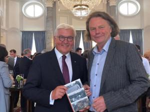 Frank-Walter Steinmeier mit Siegbert Schefke