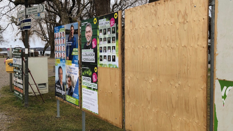 Plakatwand für Wahlplakatein Schondorf