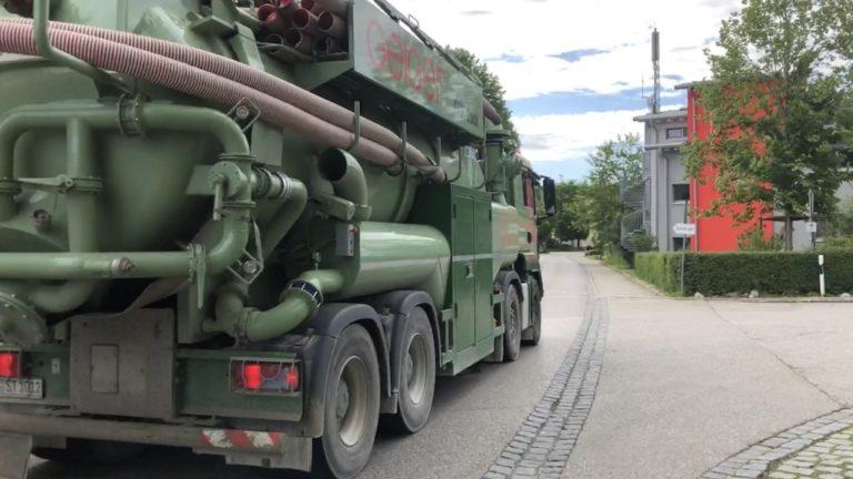 LKW auf der Ortsdurchfahrt Schondorf
