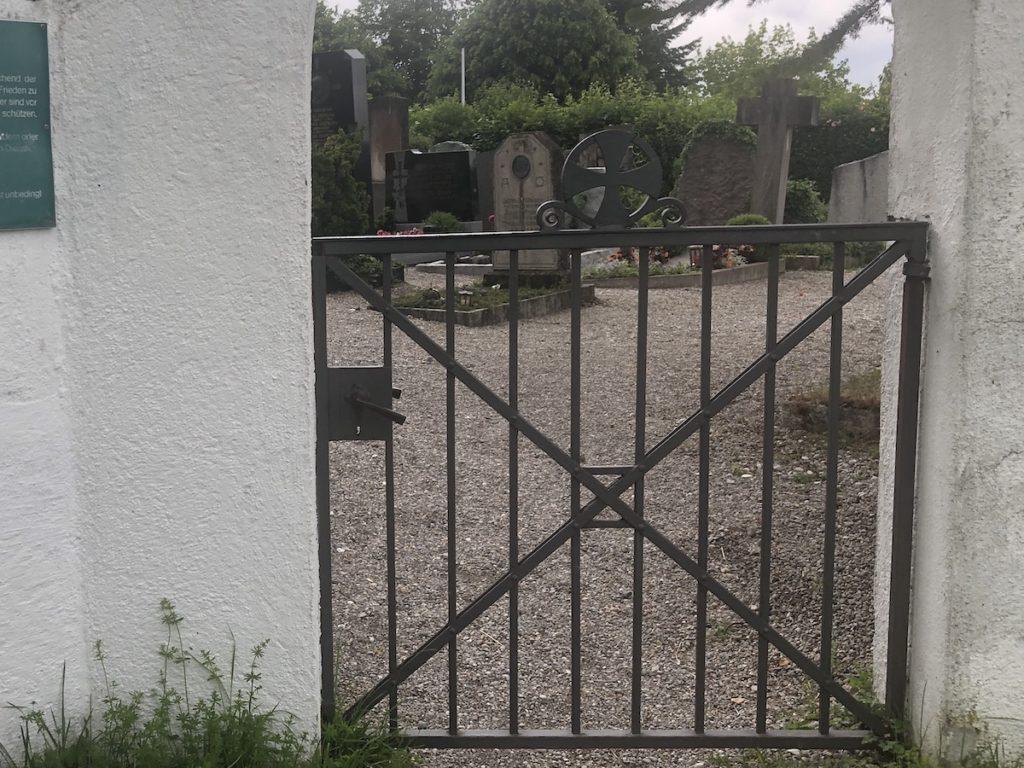 Tor zum Friedhof St. Anna