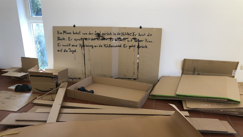 Erhöhlung: Axel Wagner baut im studioRose eine Höhle
