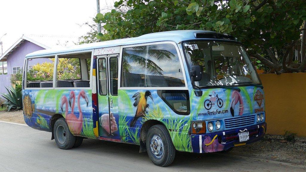 Bus Karibik
